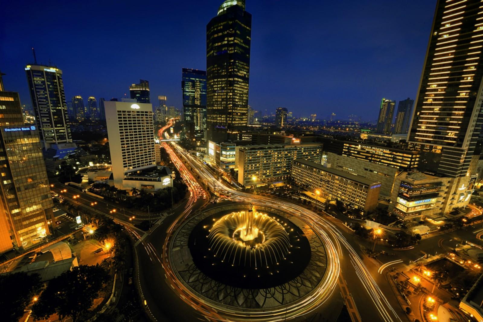 10 Kota Cantik Pada Malam Hari Di Indonesia